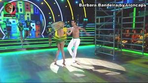 Barbara Bandeira sensual no programa Dança com as estrelas