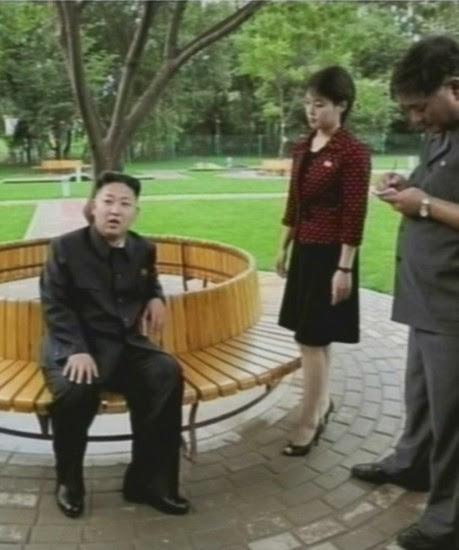 El líder norcoreano aparece en TV con su mujer