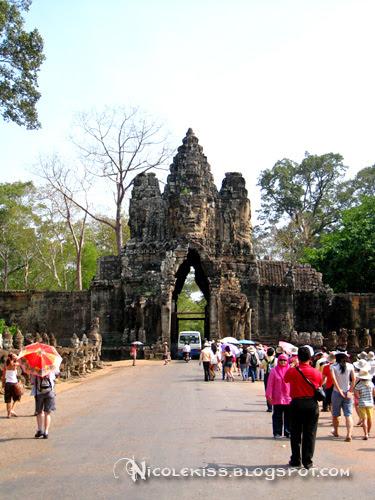bayon south gate