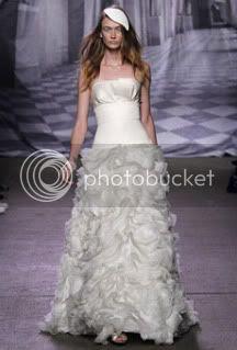 fashion trends,wedding gown,runway