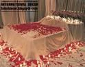Romantic bedroom decorating ideas for Valentine's day 2013