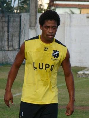 Basílio ficou cinco meses afastado dos gramados (Foto: ABC/Divulgação)