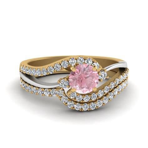 Look at outstanding colored engagement rings   Fascinating