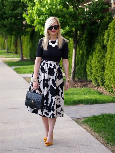 white skirts ideas  pinterest white midi