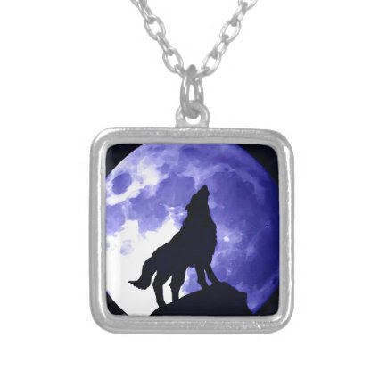 Howling Wolf & Fullmoon Necklace