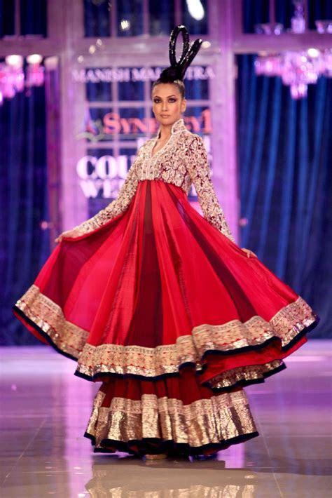 Manish Malhotra , Shantanu Nikhil Show at Delhi Couture