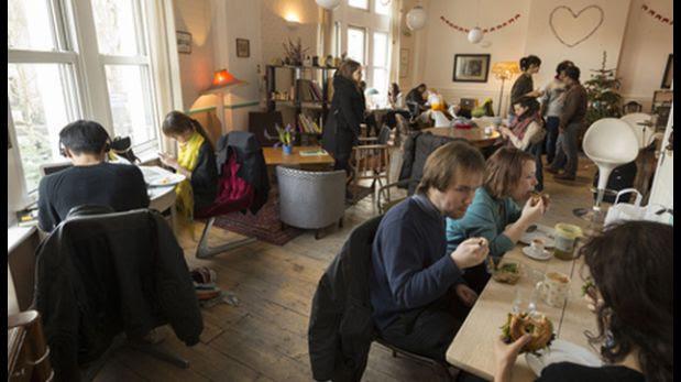 Londres: ¿Cómo funciona el café que cobra por minuto?