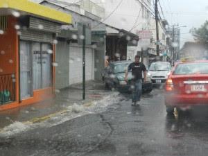 Aguaceros provocaron inundaciones en diversas partes del país. CRH