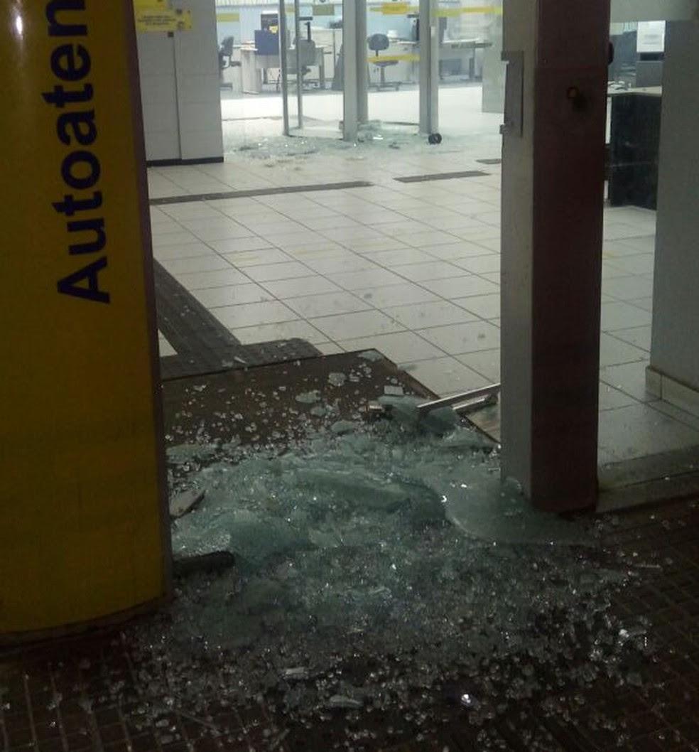 Caixa eletrônico da cidade de Poço Branco foi alvo de ataque  (Foto: Divulgação/PM)