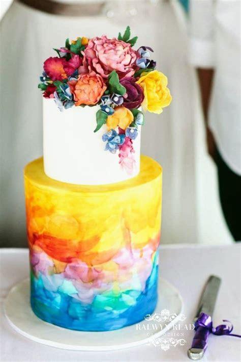 Tropical Wedding Cake   cake by Raewyn Read Cake Design