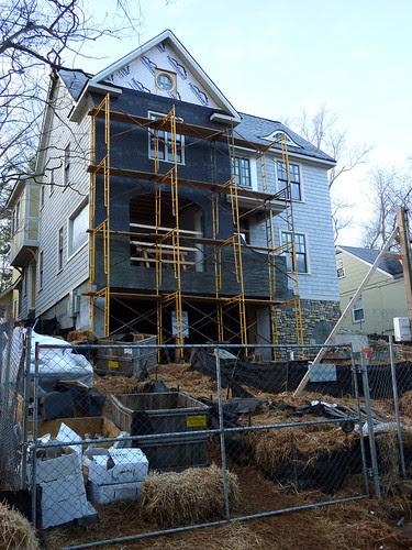 P1000597-2010-02-07-1261-RocksStone-NE-Corner