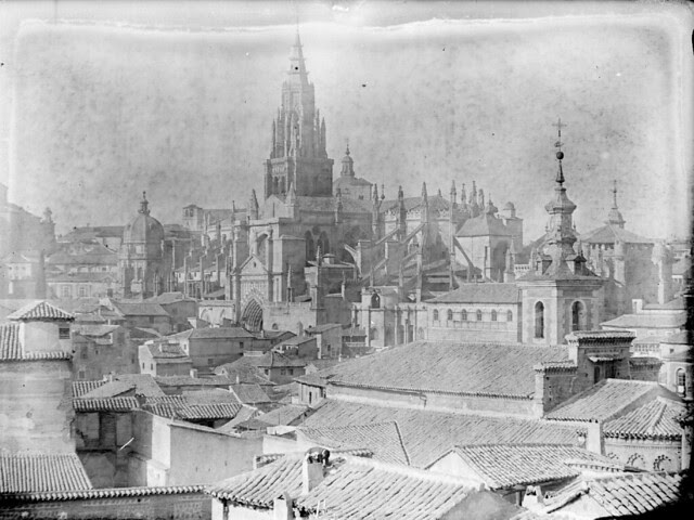 Iglesia de San Justo y Catedral en los años 20. Detalle de una Fotografía de Otto Wünderlich. © Fototeca del Patrimonio Histórico
