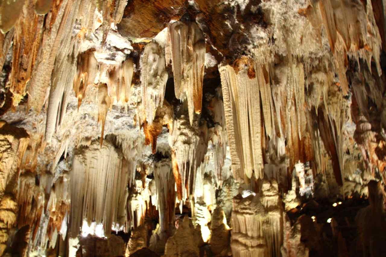 Resultado de imagen de cuevas del aguila