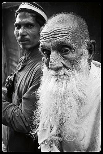 Jawani Dhal Jati Hai Budapa Chad Jata Hai ,,,Khuda Se Milne Ka Waqt Kareeb Ata Hai by firoze shakir photographerno1