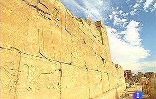 Ver vídeo  'Informe semanal - Informe semanal en la cámara funeraria de Tutmosis III'