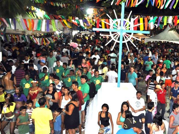 Público lotou praça na abertura do carnaval de Parnamirim (Foto: Ana Amaral/Prefeitura de Parnamirim)