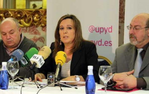 José Miguel Mateo, Rosario Pérez y Javier Ojer, UPyD CyL, comparecieron hoy en Burgos