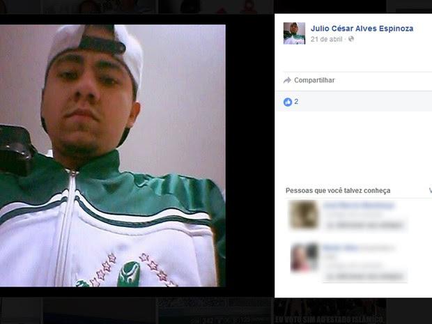 Julio Espinoza tinha 24 anos e foi morto em suposto confronto com policiais e guardas (Foto: Reprodução / Arquivo Pessoal / Facebook)