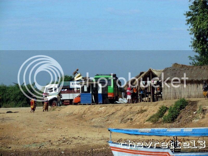 http://i1252.photobucket.com/albums/hh578/chevrette13/Madagascar/IMG_1766Copier_zps155d7f5c.jpg