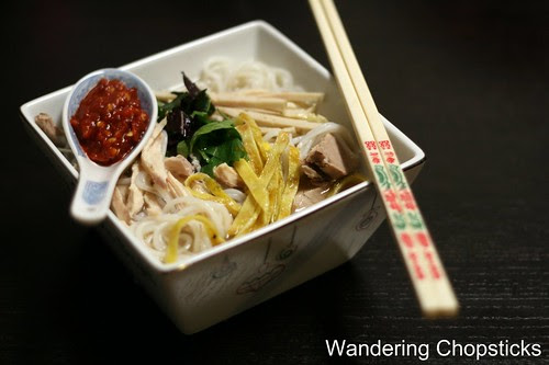 Bun Thang (Vietnamese Rice Vermicelli Noodle Soup with Chicken, Egg, and Pork) 5