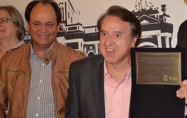 kiko; chaves; seriado; carlos vilagran; embaixador; copa do mundo; porto alegre (Foto: Thiago Quintella/GLOBOESPORTE.COM)