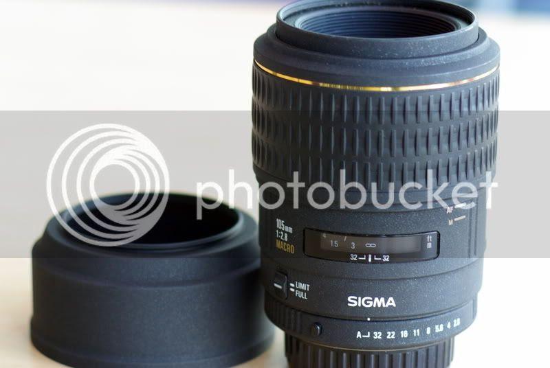 Sigma 105mm f/2.8 1:1 Macro EX