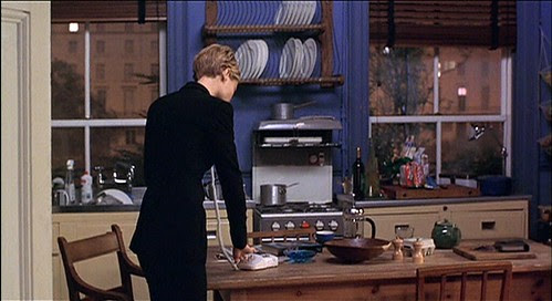 slidingdoors_helenapt_kitchen