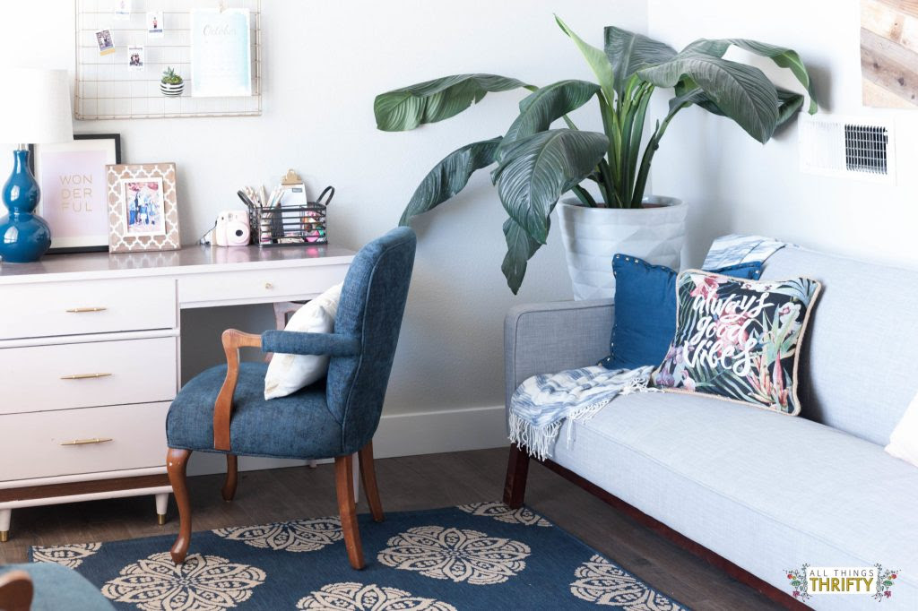 Jo's Living Room: Navy, Pink, Gold, Grey, and White!