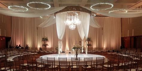 Four Seasons Hotel St. Louis Weddings   Get Prices for