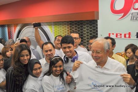 @Ceriapagisuria Follow @NajibRazak