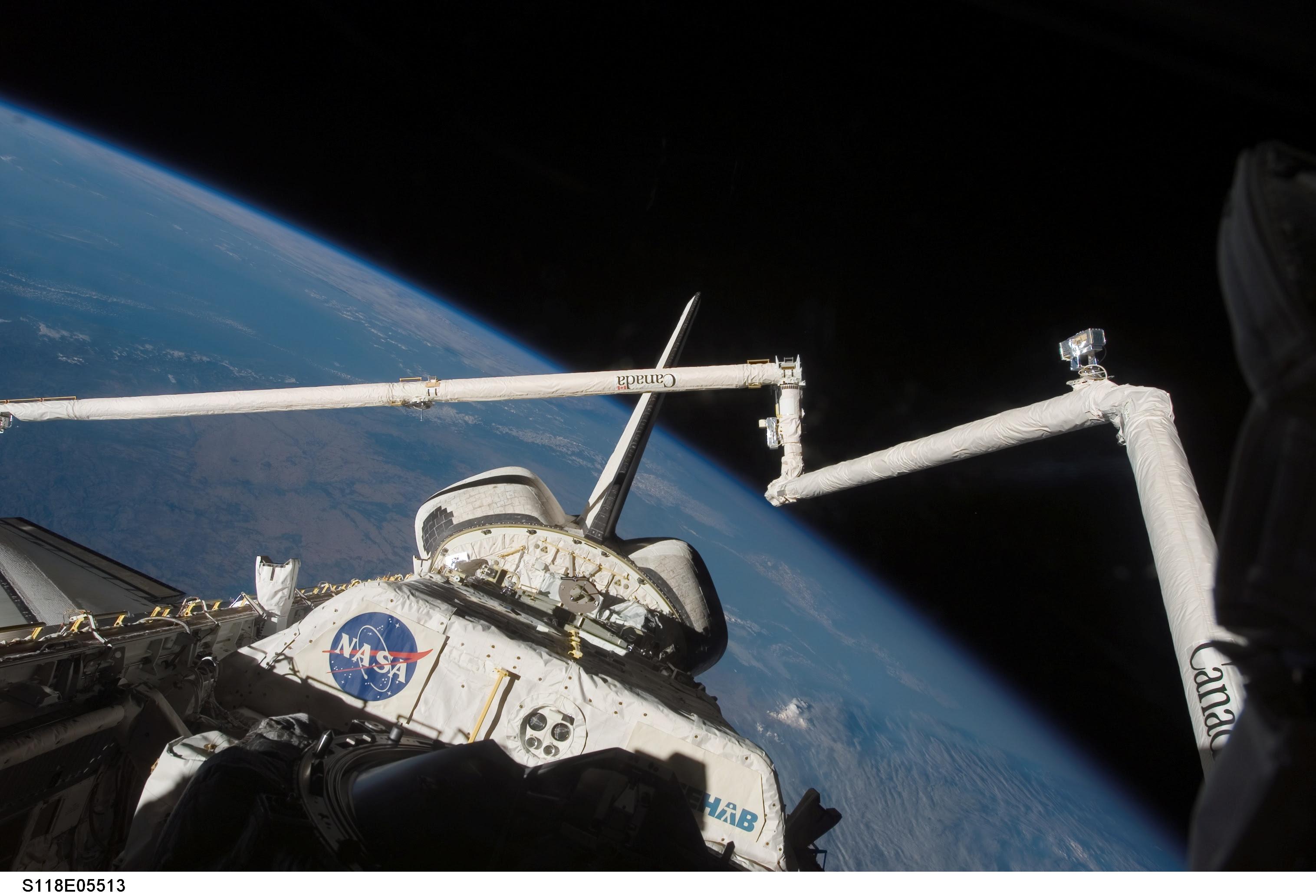 Endeavour acoplado a la ISS