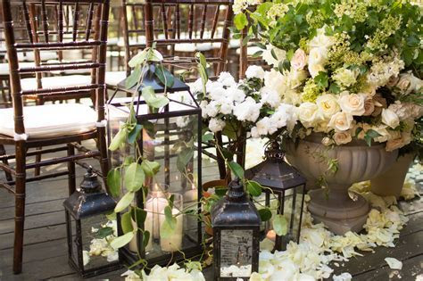 how to decorate with lanterns   Decoratingspecial.com