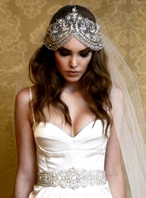 Bride's casual down hairstyle with Swarovski Gatsby