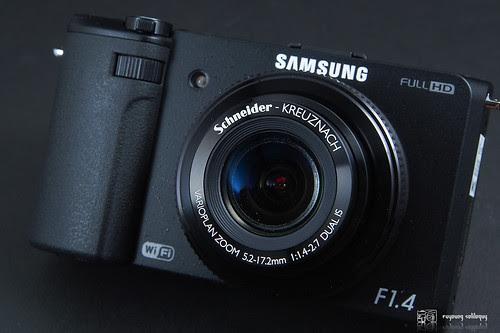 Samsung_EX2F_intro_01