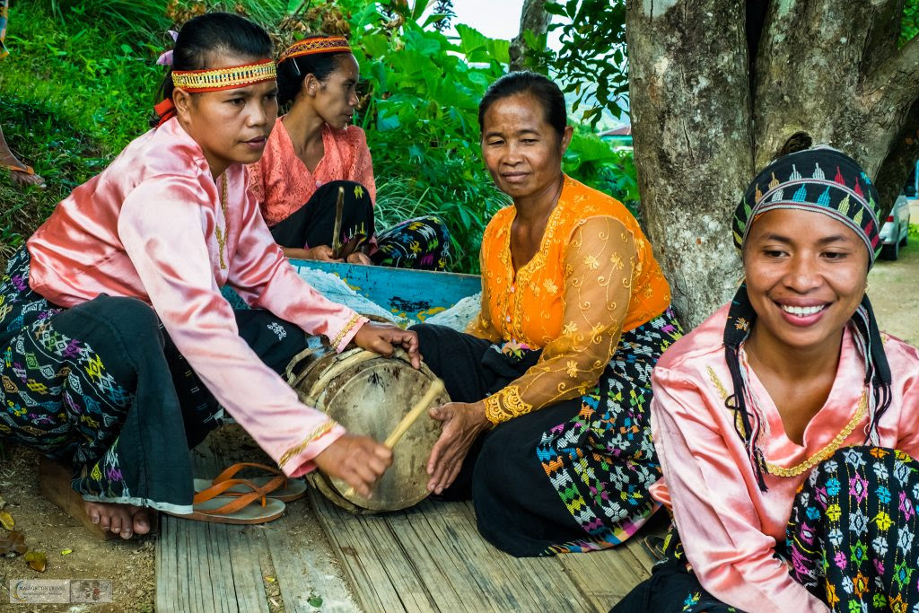 Culture of Indonesia, Photography and cultural portrait  Mallory on Travel