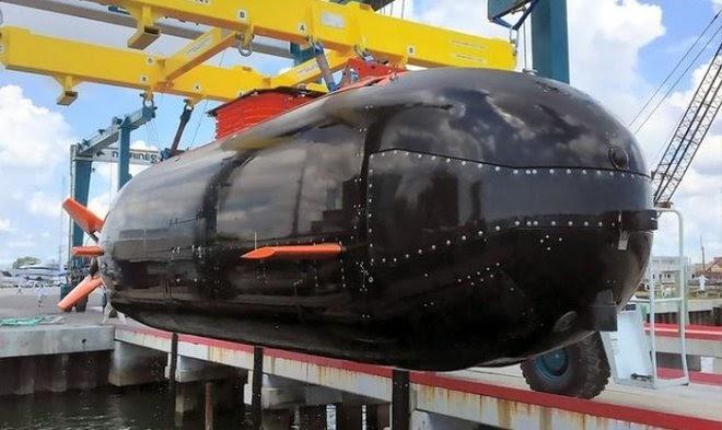 Американские «морские котики» испытывают новую сухую мини-субмарину