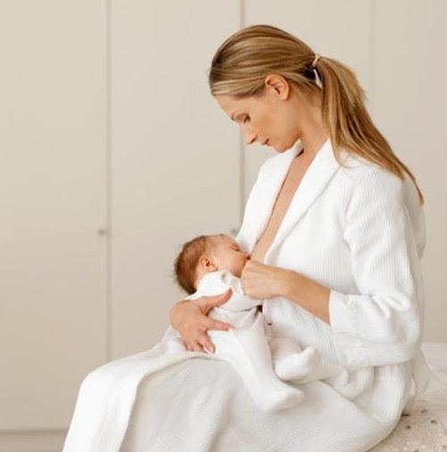 caduta di capelli in allattamento - Allattamento al seno e perdita dei capelli Mammeonline