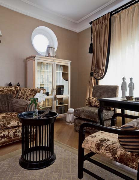 Traditional Home Decor Style for Large Apartment ...