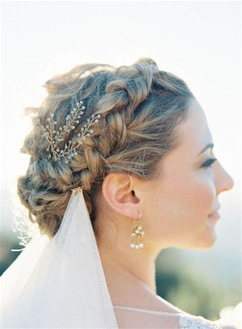 Braid: Though it can often be overlooked, a braid and veil
