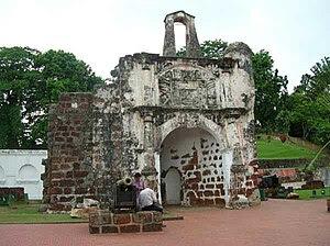 Present day Porta De Santiago.