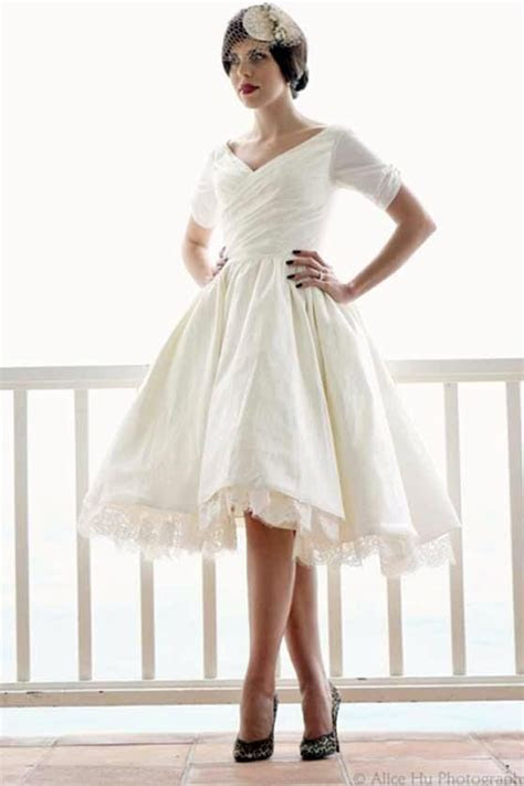 How to Choose Popular Short Wedding Dresses