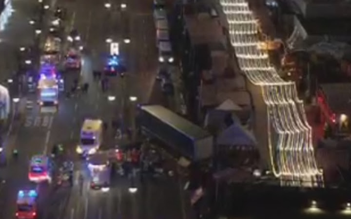 A lorry has crashed into a Christmas market in Berlin
