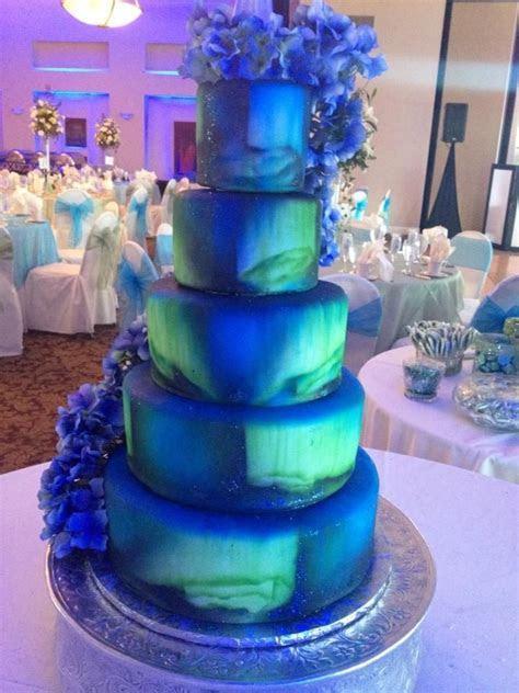 Northern Lights wedding cake (Aurora Borealis) annacakes