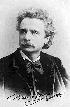 Edvard Grieg (1888) by Elliot and Fry - 02.jpg