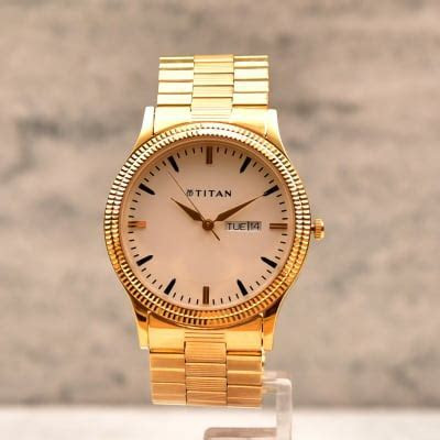 Titan Round Dial Golden Men Watch: Gift/Send Fashion and