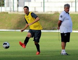 ABC - Gustavo Bastos, zagueiro - Geninho, técnico (Foto: Divulgação/ABC)