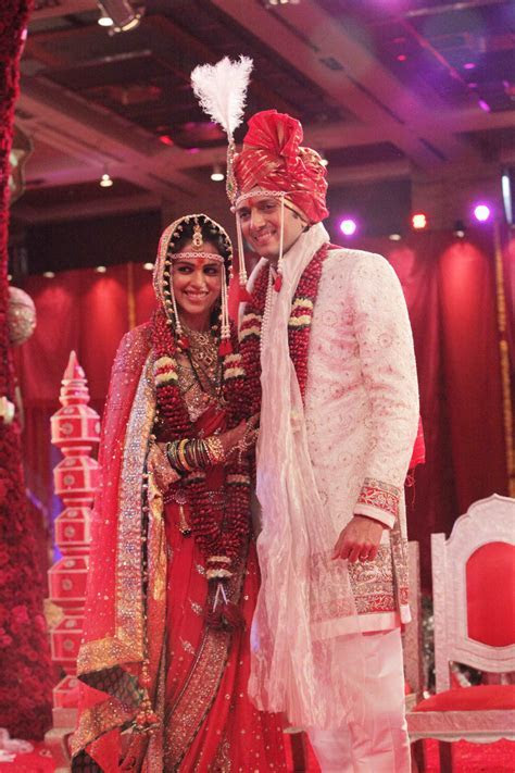 Just Married : Ritesh ? Genelia ? Designer Indian Outfits