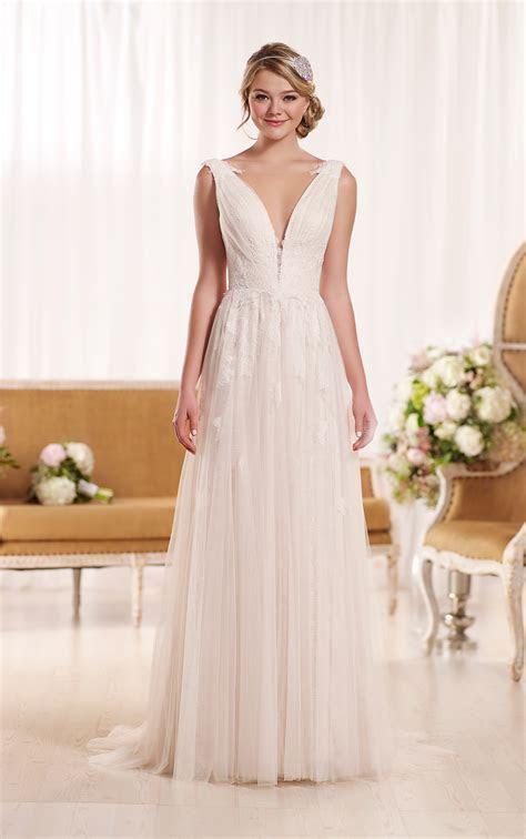 Vintage Lace Wedding Dress   Essense of Australia