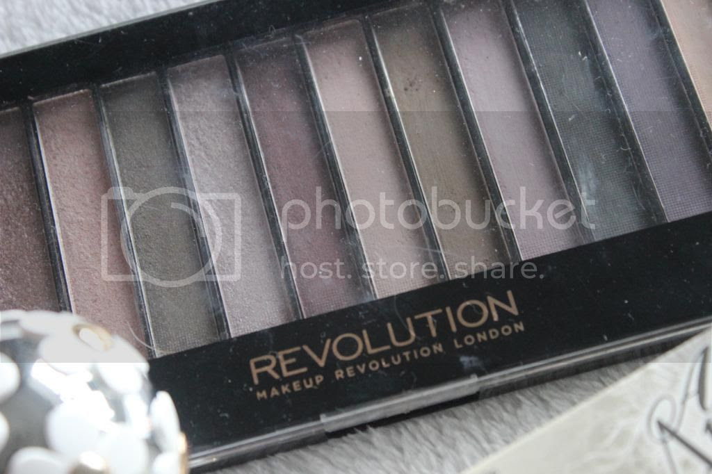 photo OctoberFavourites-MakeupRevPalette.jpg