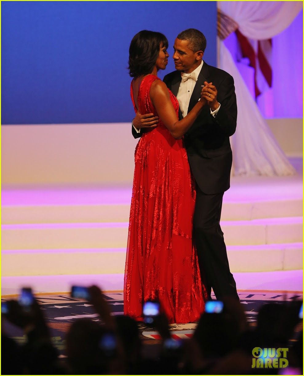 president barack obama michelle inaugural ball dance 01
